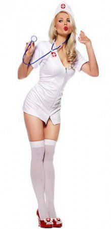 Фото девушки в медицинском халатике